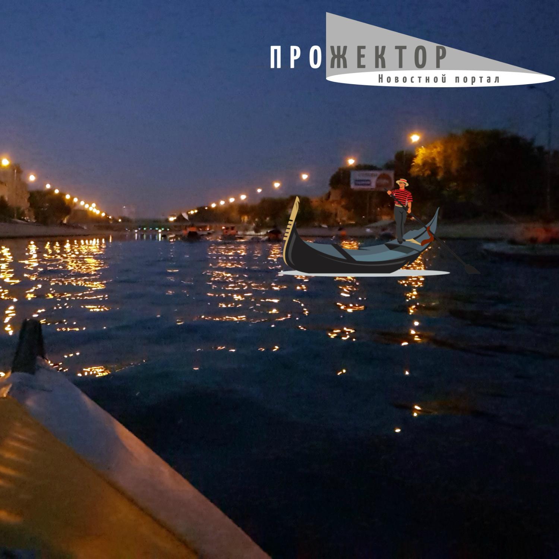Венеция на Каспии или большая лужа? «Прожектор» гребет по каналам города
