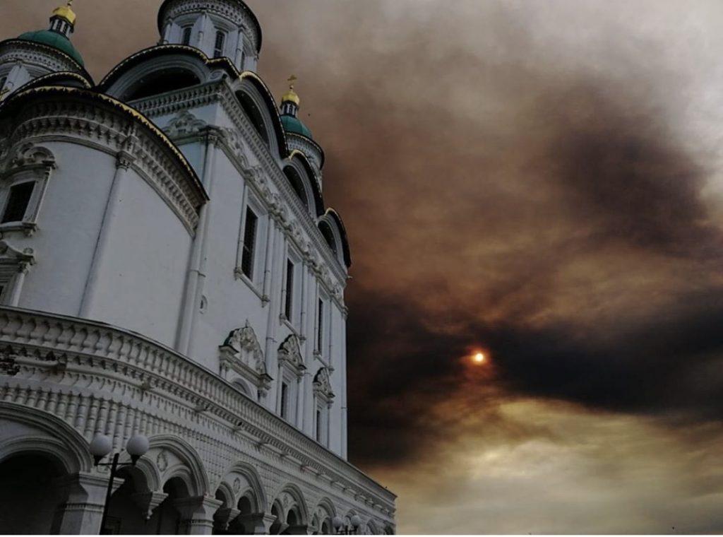 Браконьеры поджигают камыш: Игорь Бабушкин снова высказался по поводу запаха гари