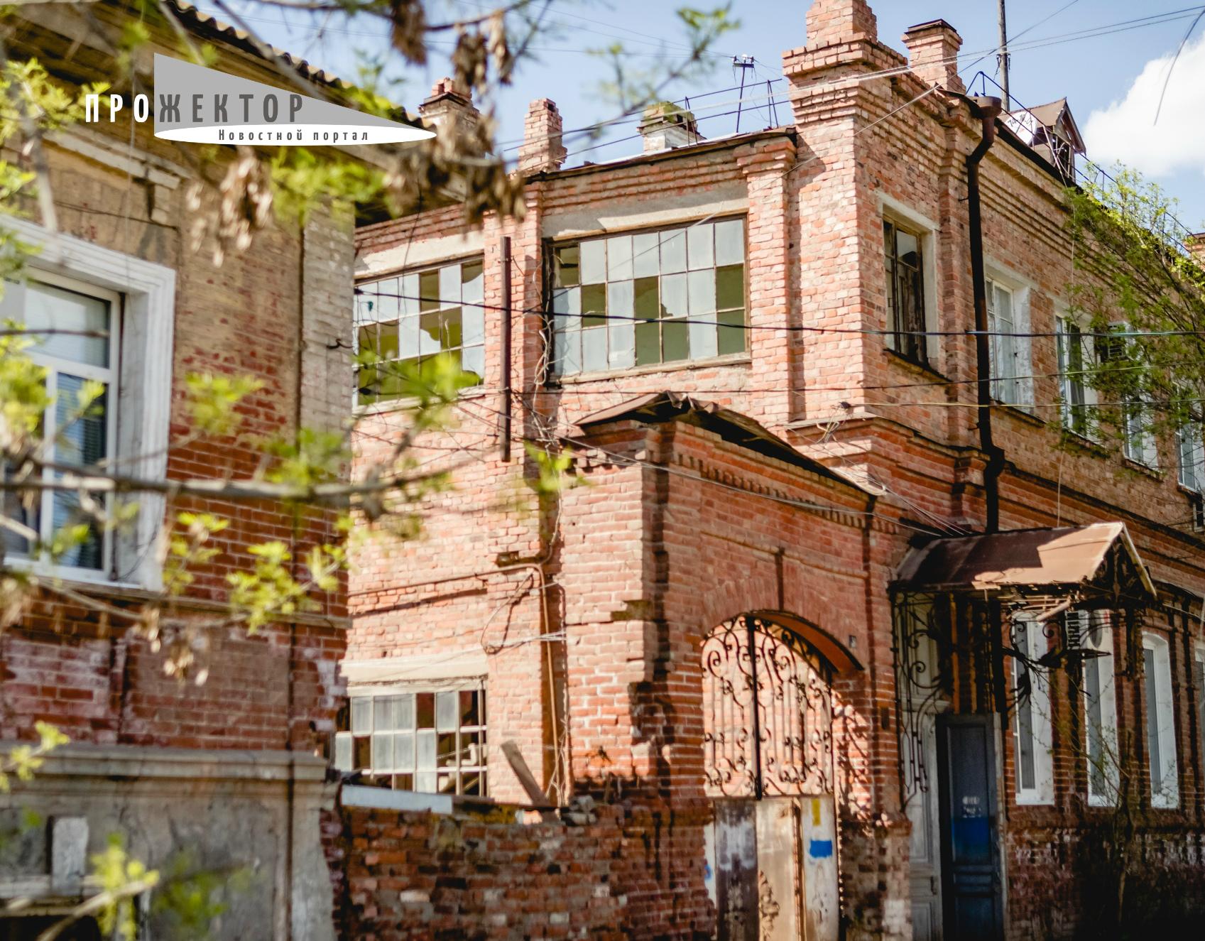 Астраханцев ждёт переселение из «столетних» домов