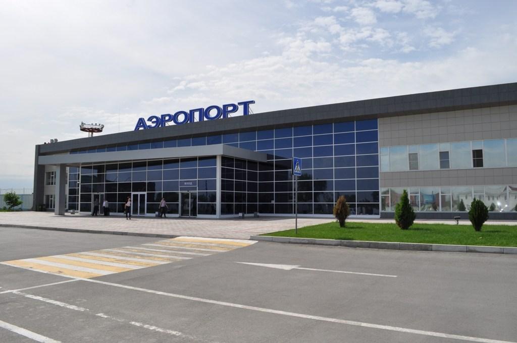 Алёна Губанова обеспокоена обликом астраханского аэропорта