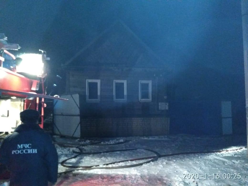 Мужчина погиб во время пожара в Астраханской области