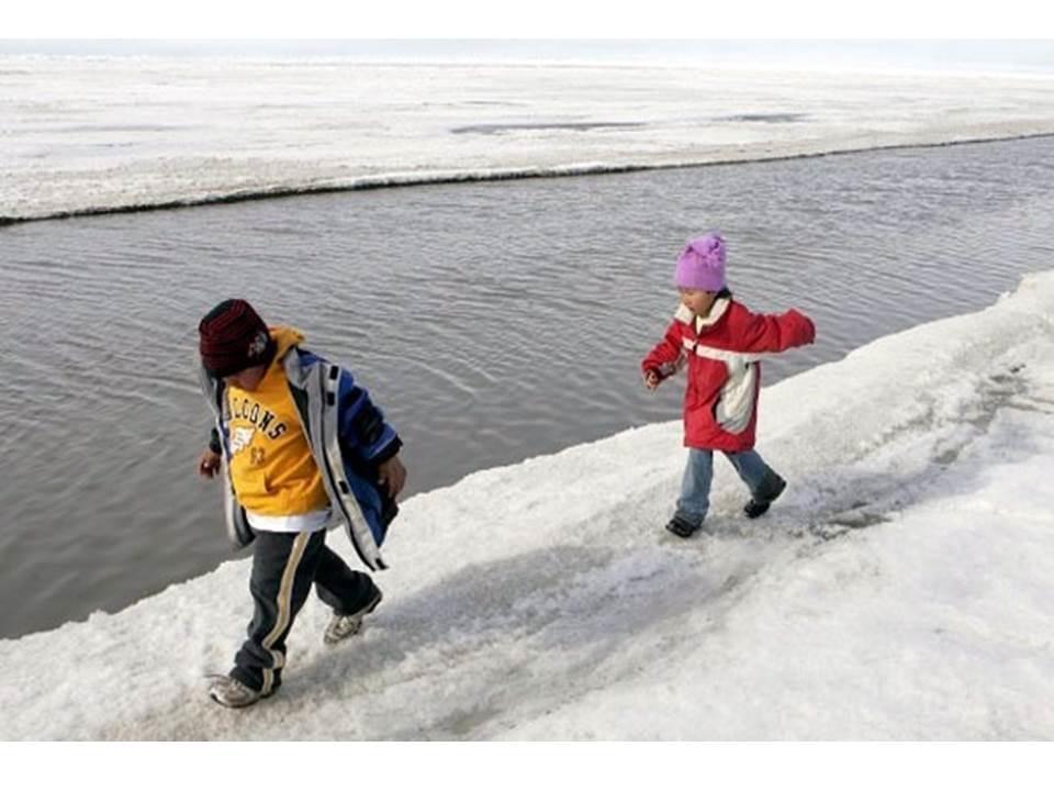 11-летний мальчик провалился под лёд в Астрахани