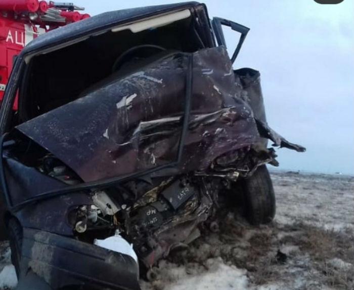 В Астраханской области пять человек пострадали в серьёзной аварии