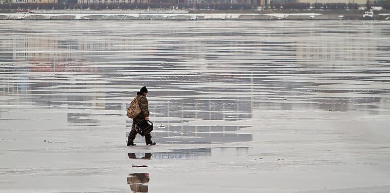В Астраханской области спасли тонущего рыбака