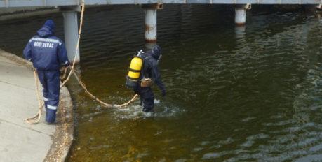 В Астраханской области перевернулась лодка с людьми