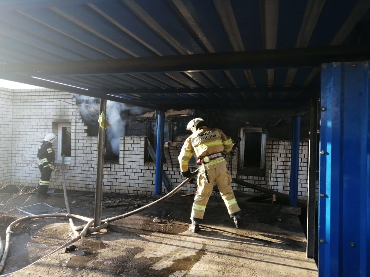 Сегодня в Астрахани пожар унёс жизни женщины и ребёнка