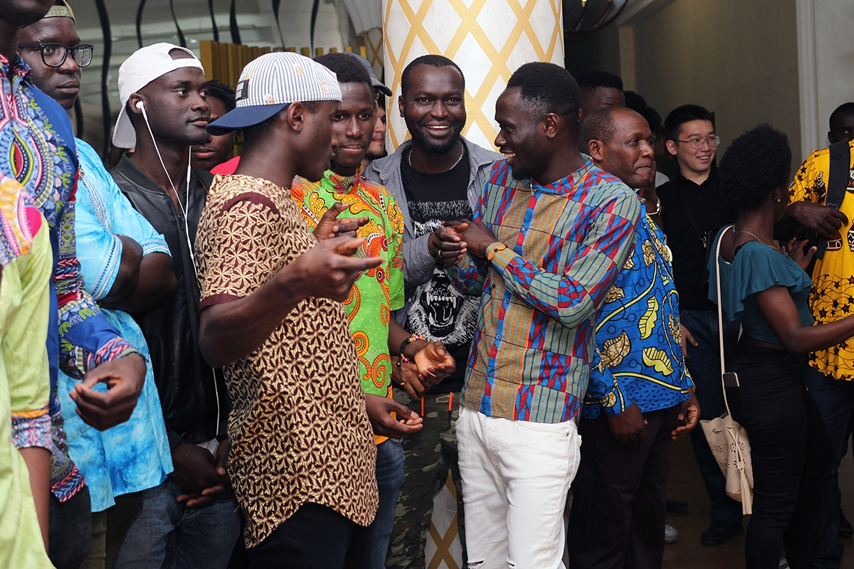 Здесь жарче, чем в Африке: как живёт африканская община в Астрахани