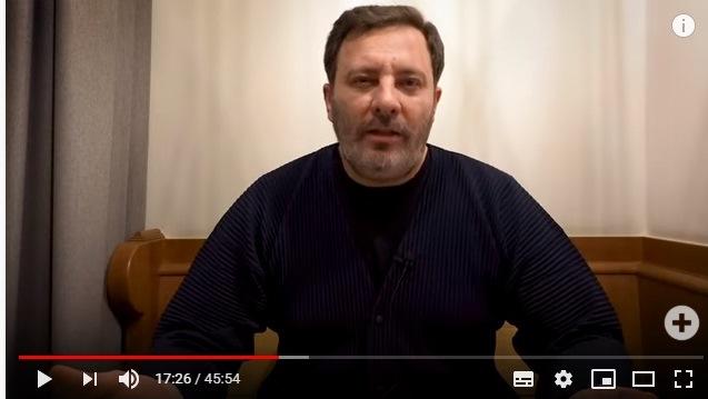 Писатель Сергей Минаев прокомментировал астраханскую новость про поджог дома