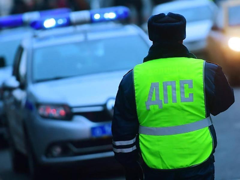 В Астраханской области мужчина избил инспектора ДПС