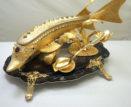 Администрация губернатора закупила золотые икорницы