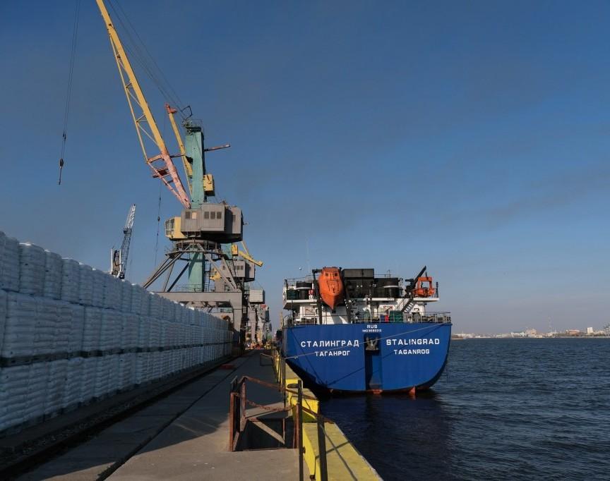 Перевалка грузов в Астраханском морском порту увеличилась на 145 процентов