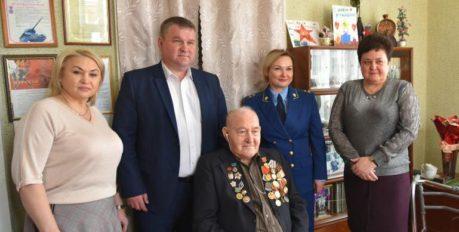 В Астрахани продолжают поздравлять фронтовиков с 75-летием Победы