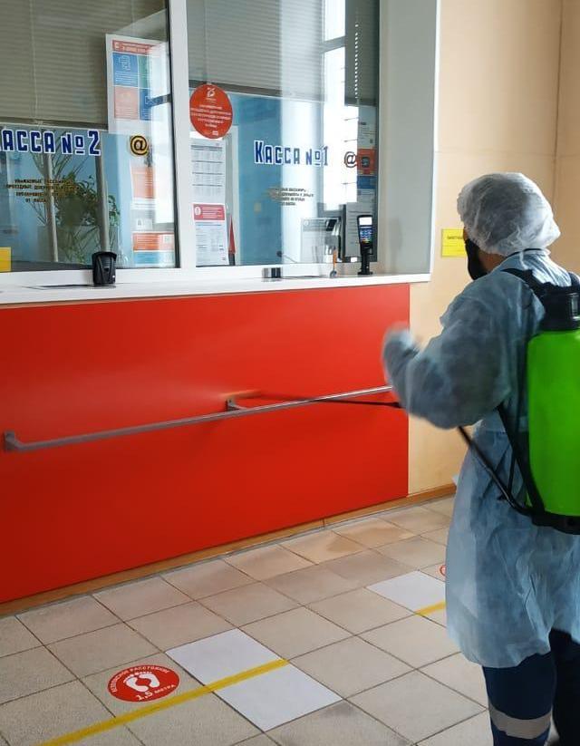 На вокзалах Астрахани и Верхнего Баскунчака проводят повторную дезинфекцию