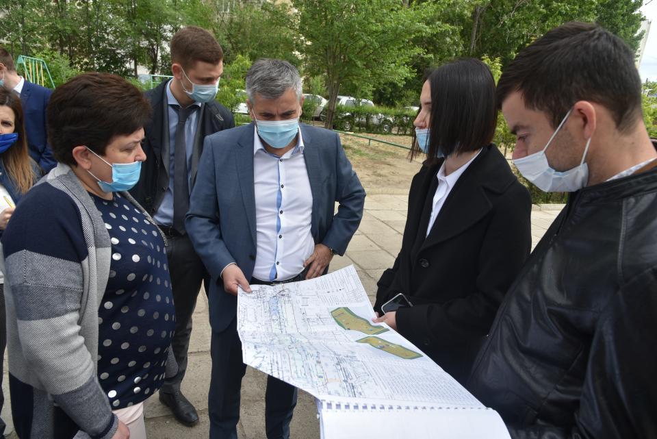 «Здесь необходим парк»: власти провели совещание в мкр.Бабаевского