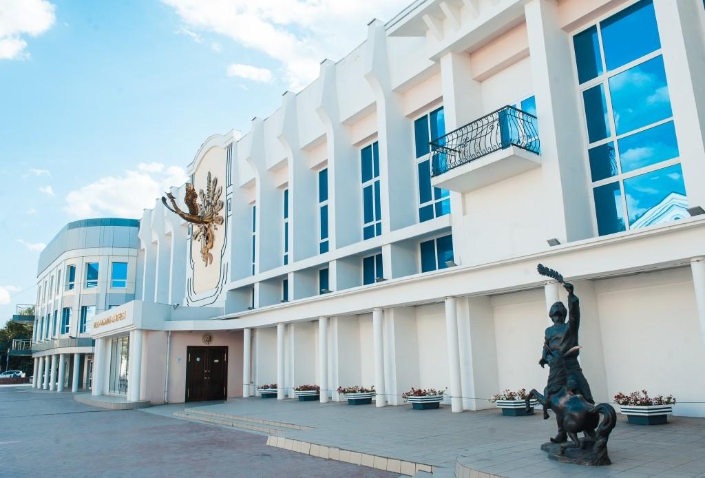 Астраханские театры сообщают о досрочном закрытии сезона