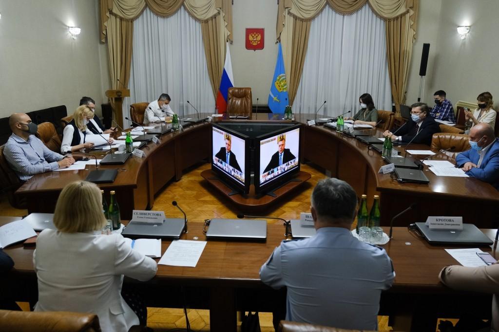 На второй этап снятия ограничений Астрахань пока переходить не будет