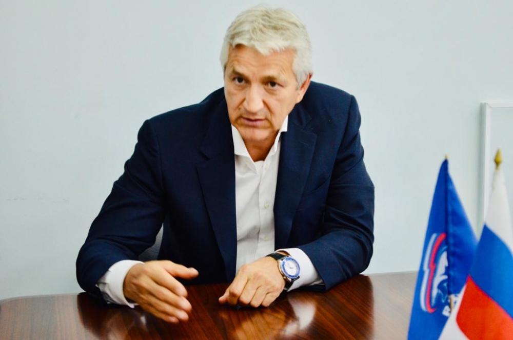 Леонид Огуль: неправильно   наказывать главврачей  за сбои в выплатах медикам