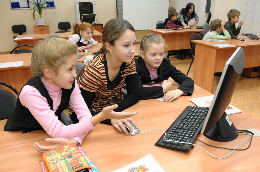 В федеральном Минпросе прокомментировали ситуацию с дистантом в Астраханской области