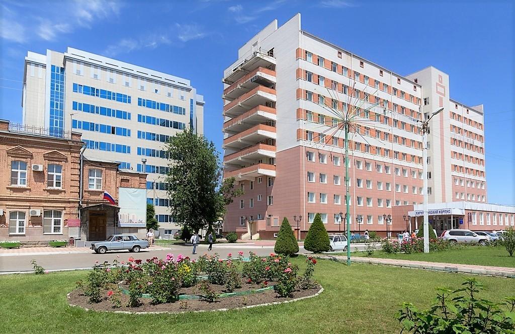В инфекционном госпитале АМОКБ нехватка медиков