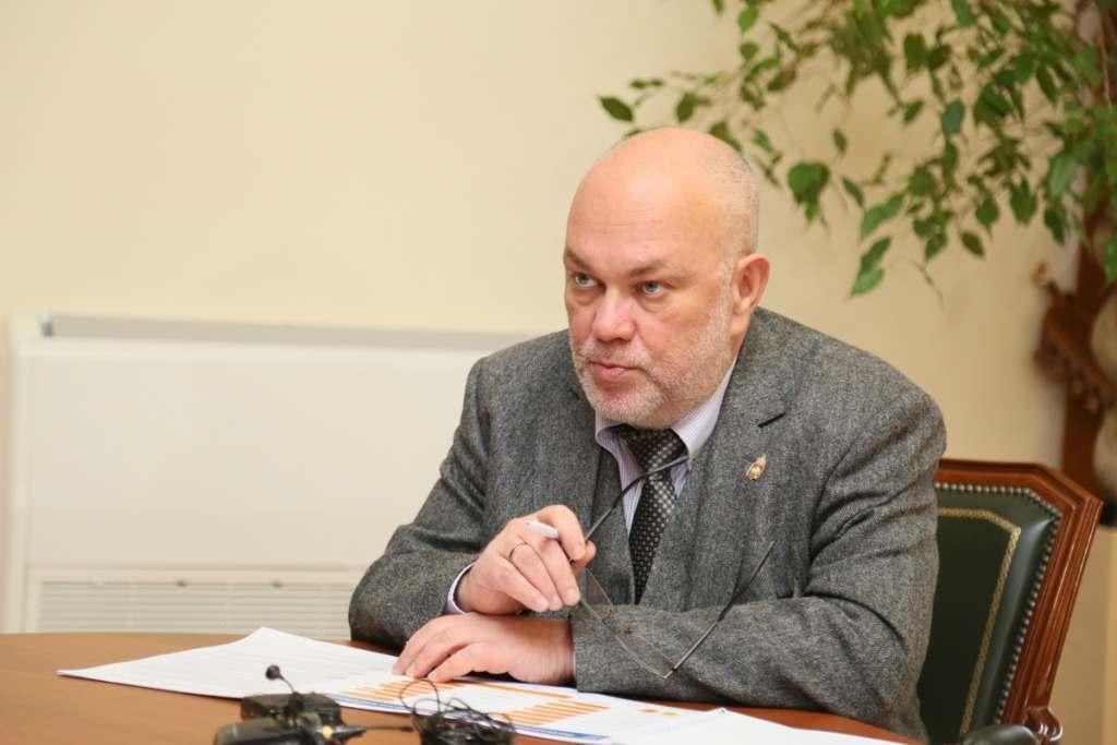 Виталий Гутман: Речь о переходе на он-лайн обучение не ведётся