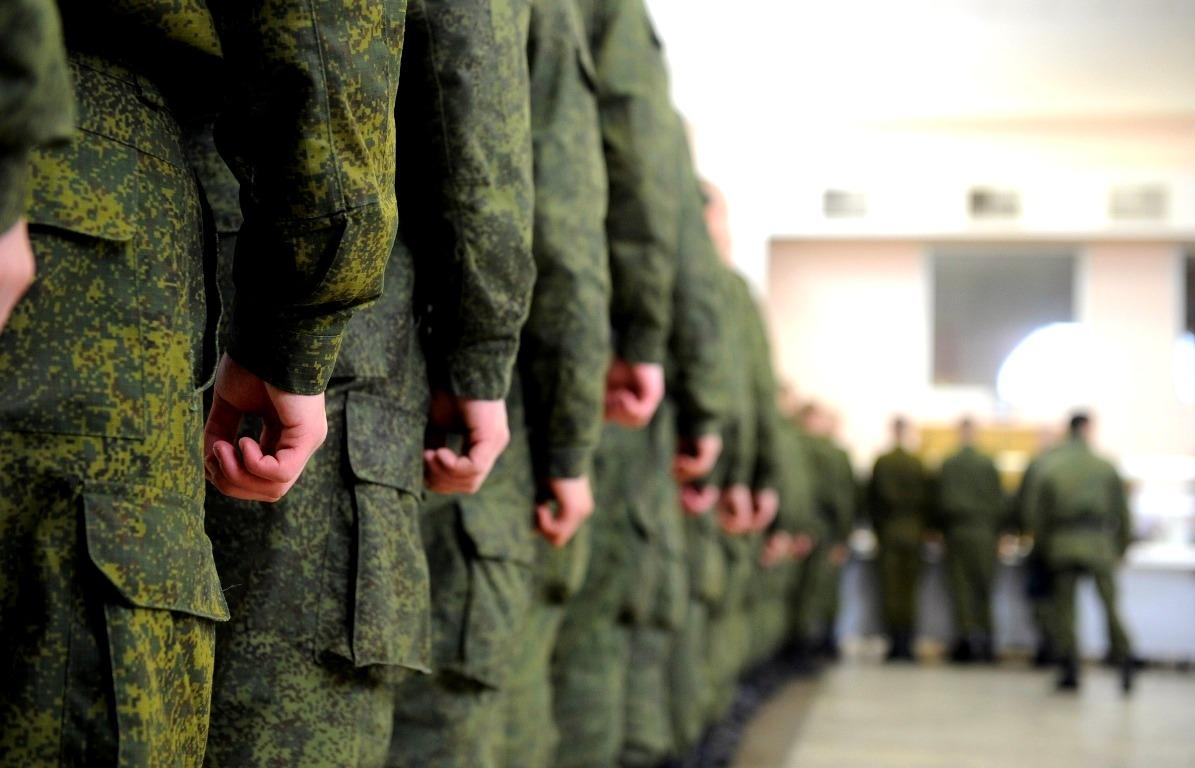 От военкомата до военной части: как проходит призыв в Астрахани во время коронавируса