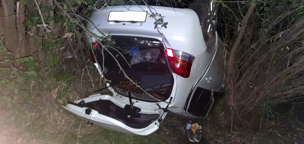В Астраханской области перевернулся автомобиль: пострадала пассажирка