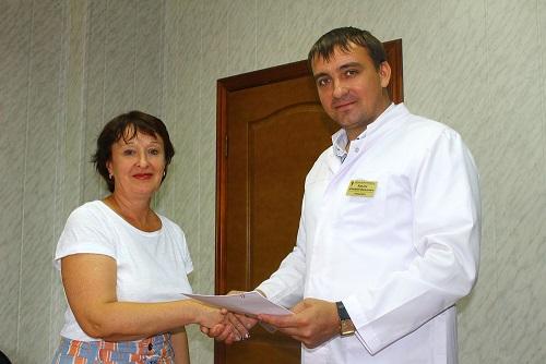Астраханскому педиатру вручили награду «Отличник здравоохранения»