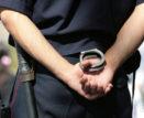 Нетрезвый астраханец замахнулся фрагментом оконного стекла на полицейского