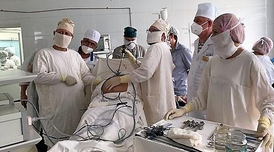 Астраханские врачи провели первую операцию по установке перитонеального катетера