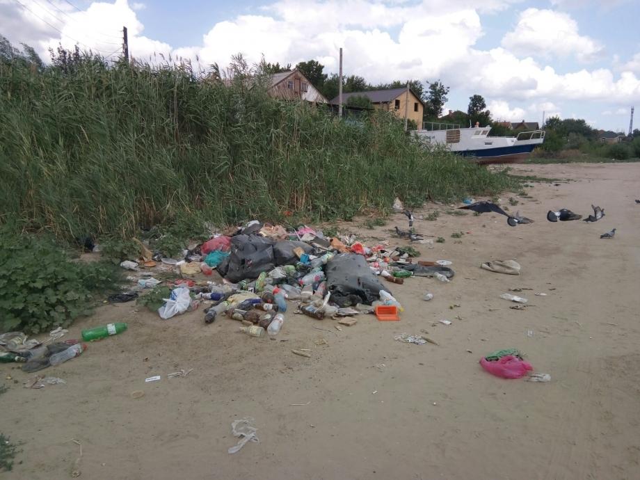 На астраханском пляже ликвидированы свалки