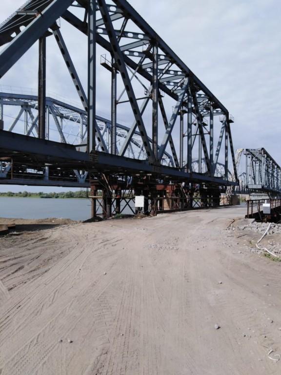 В 2021 году завершится строительство ж/д моста в  Астраханской области
