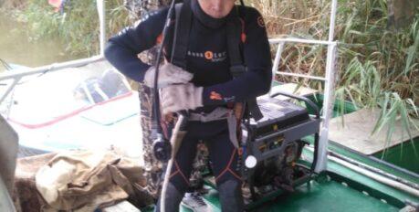 Астраханские водолазы третий день ищут утонувшего мужчину