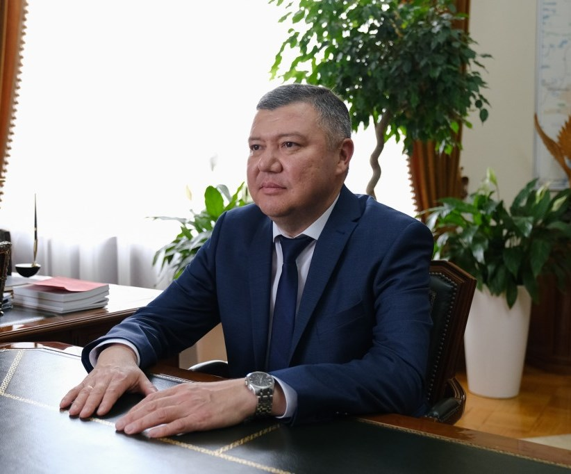 Главой Красноярского района стал Руслан Бисенов
