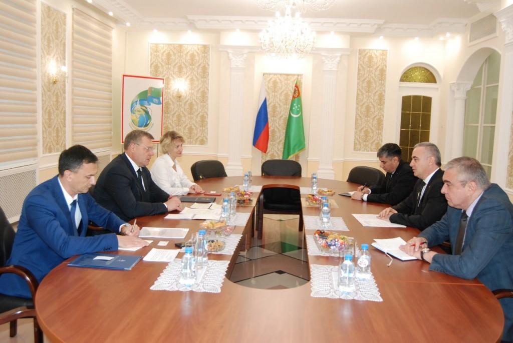 Игорь Бабушкин встретился с послами стран Прикаспия