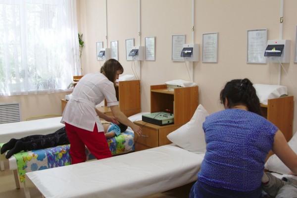 В астраханскую детскую поликлинику поступило физиотерапевтическое оборудование