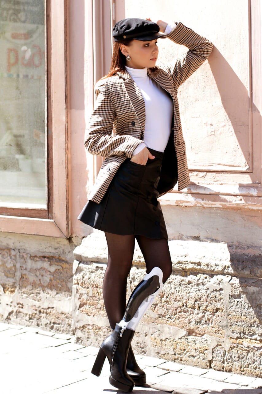 На Каспийской неделе моды  на подиум выйдет модель с протезом голени