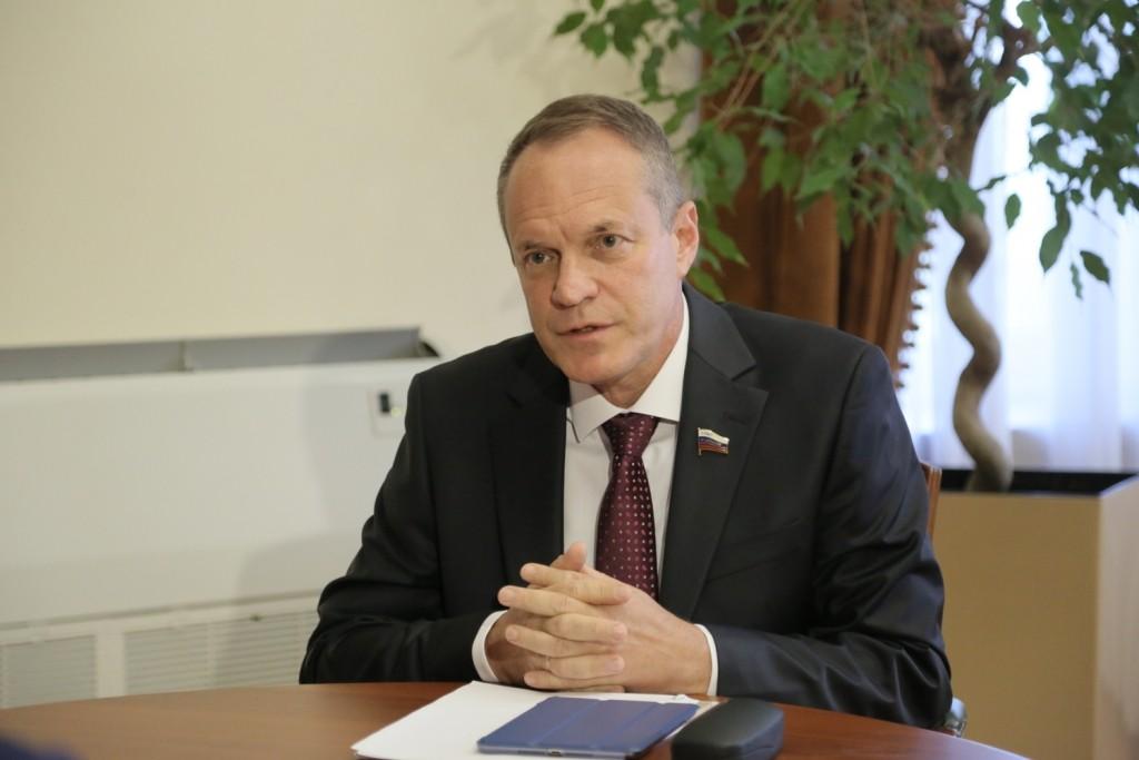 Александр Башкин взлетел в рейтинге сенаторов