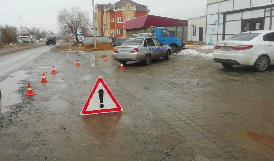Астраханец на авто сбил жительницу Калмыкии