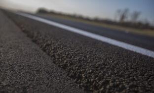 В Астрахани наиболее некачественные дороги: названы Российские города с лучшими и худшими дорогами