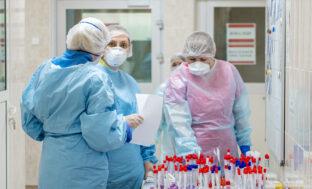 Коронавирус забрал жизни ещё четырех астраханцев