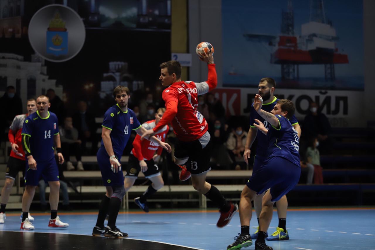 Гандболисты из Астрахани вышли в 1/8 финала Кубка России
