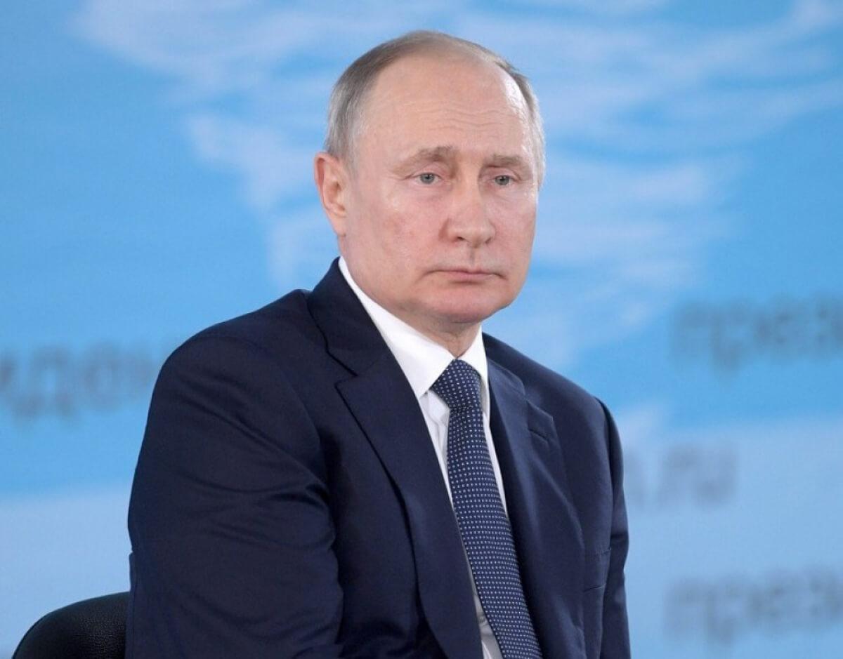 В Кремле прокомментировали слух о болезни Паркинсона у Владимира Путина