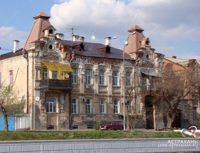 Исторические особняки и дома Астрахани отреставрируют за счёт внебюджетных источников