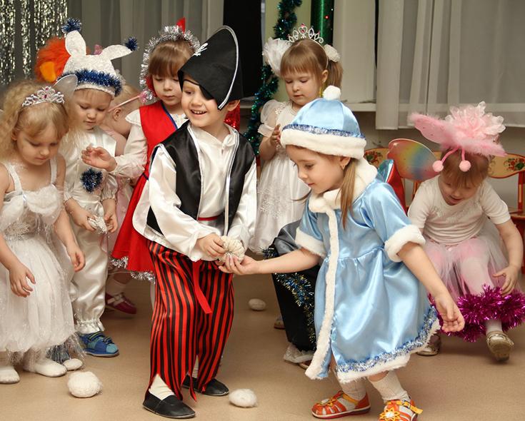 Астраханцы могут принять участие в детском конкурсе новогодних костюмов